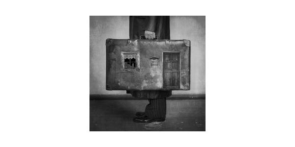 weird suitcase.001