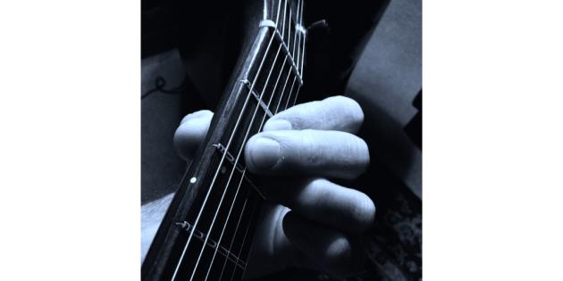 MvD A chord hand shot.001